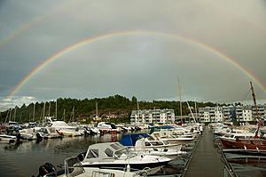 Dobbel regnbue over bryggene i Son havn nord